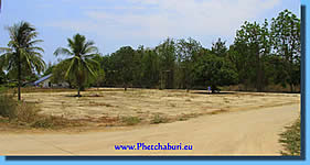 Land for salle in Cha-Am near beach